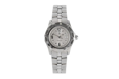 Lot 17 - TAG HEUER