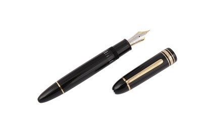 Lot 64 - A GERMAN MONTBLANC MEISTERSTUCK FOUNTAIN PEN NUMBERED 149