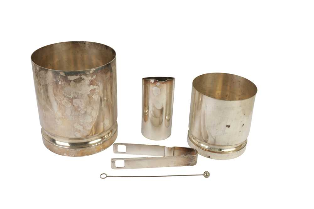 Lot 37 - A SILVER PLATED ICE BUCKET, 20TH CENTURY