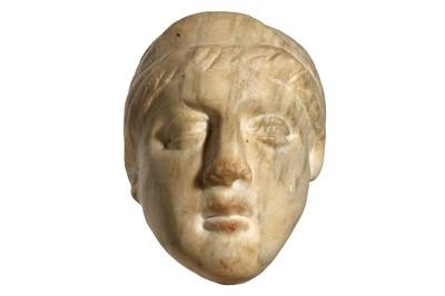 Lot 92 - ROMAN MARBLE HEAD OF A WOMAN Circa 3rd - 4th...